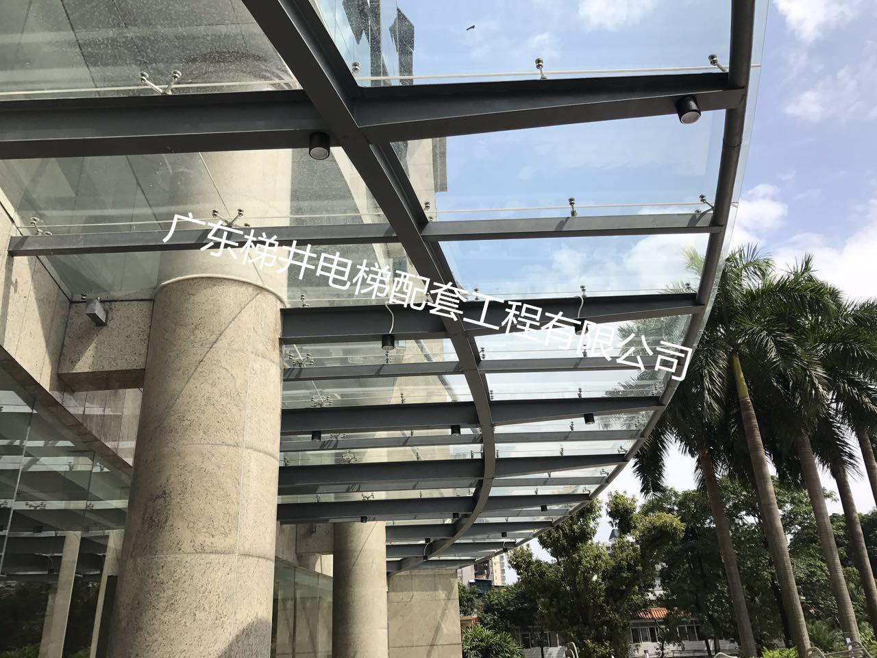 广州钢结构电梯井道,玻璃雨棚